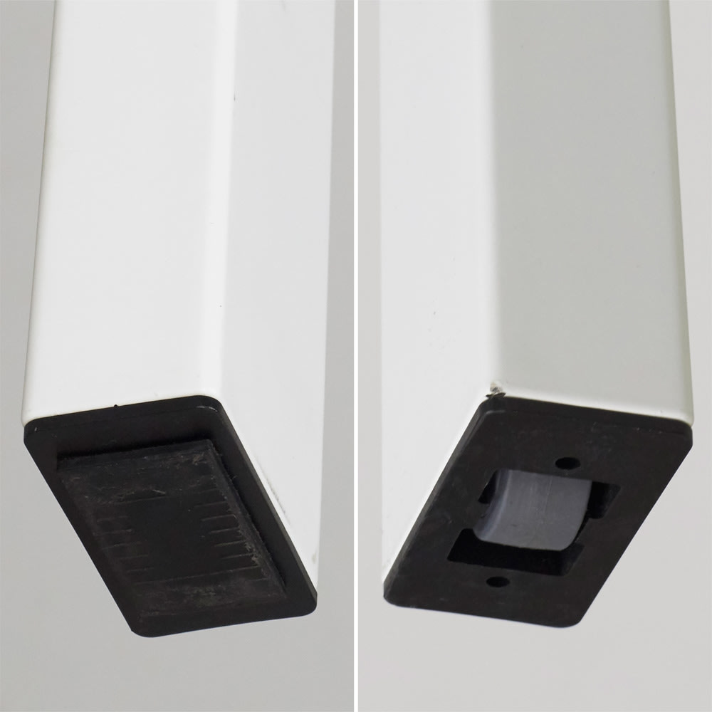 5点セット イタリア製伸長式ダイニングテーブル+NewYorkチェア4脚  テーブル幅130cm(伸長時190cm) 天板の伸長する方の脚にはローラーが付いています。