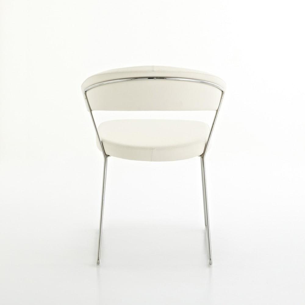 5点セット イタリア製伸長式ダイニングテーブル+NewYorkチェア4脚  テーブル幅130cm(伸長時190cm) チェア背面:背もたれの裏側にもフレームが連続しています。