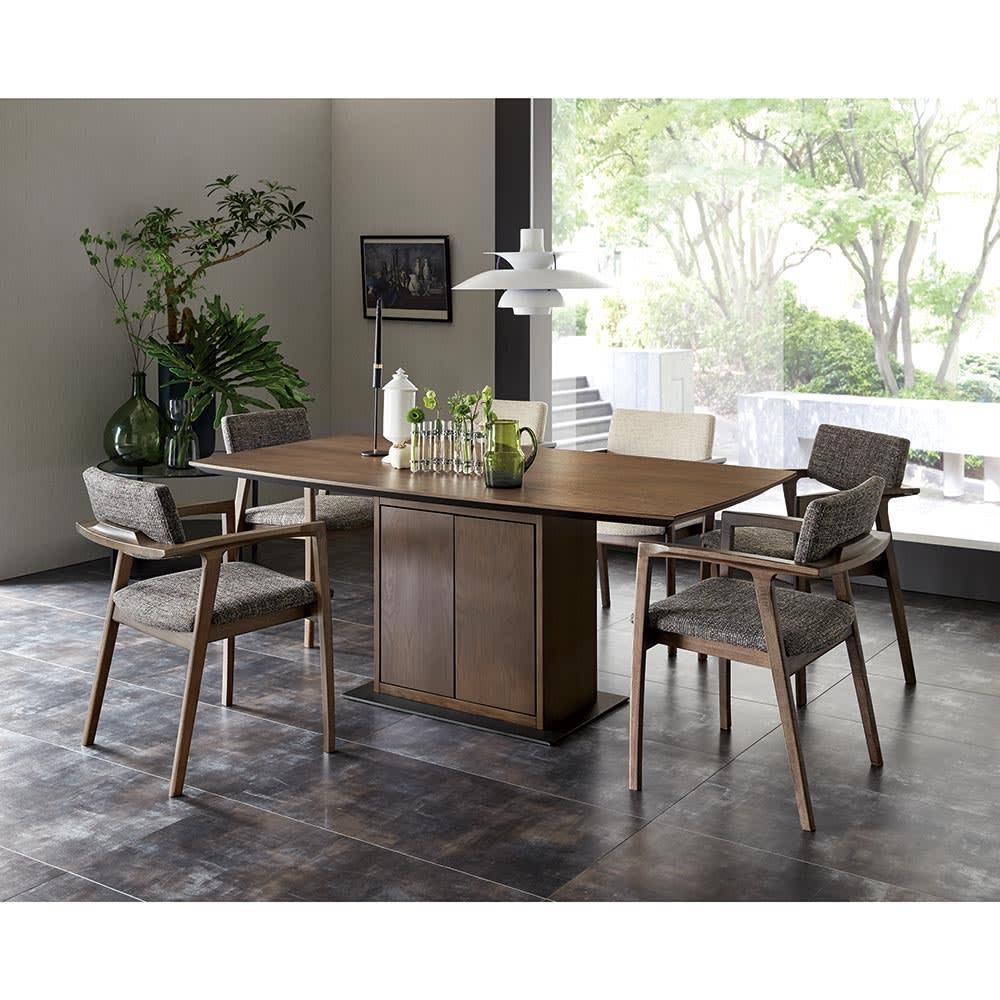 Grigia/グリージア 収納庫付き ダイニングシリーズ 幅170 コーディネート 170幅のテーブル、チェア(ベージュ2脚・グレー4脚)