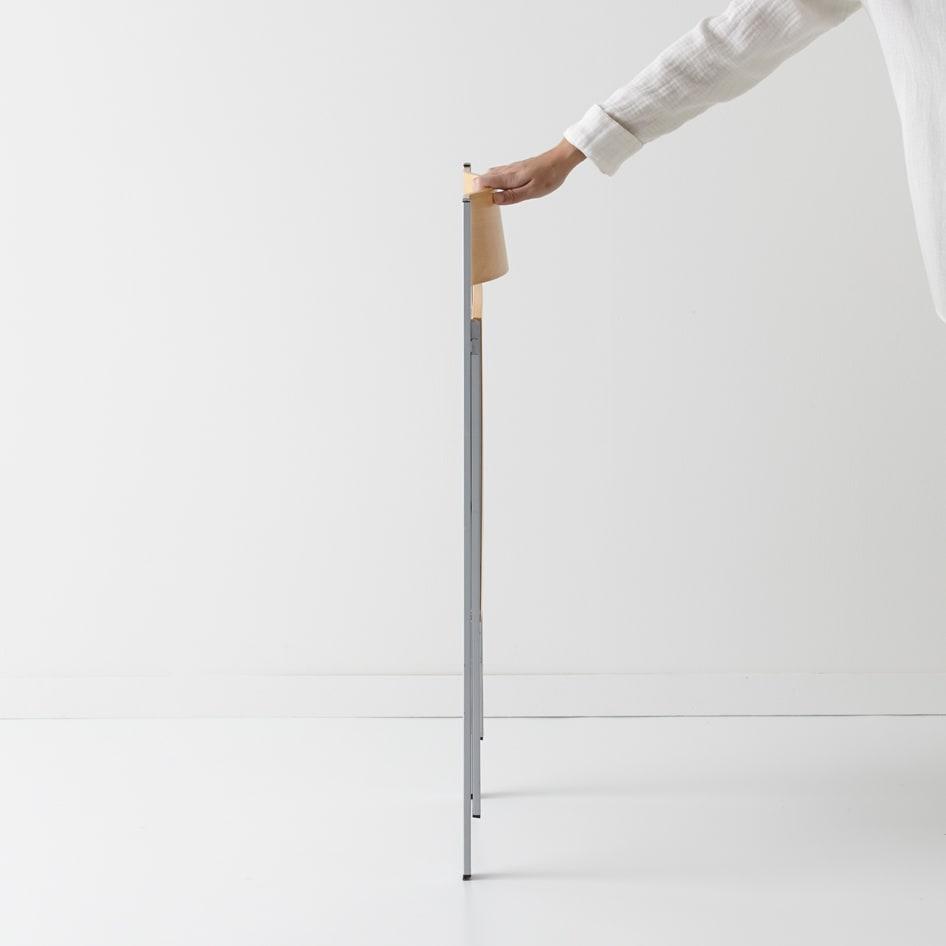 PocketWood イタリア製フォールディングチェア ウッドタイプ 折りたたんだら奥行は約6.5cm。脚部はなんと薄さ2cmに!