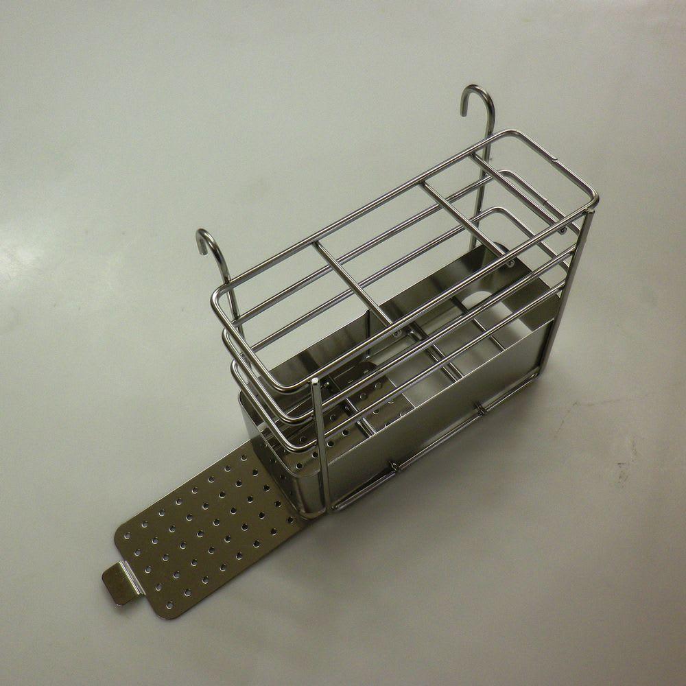 頑丈シンク深型スライド水切り 箸立ての底板はスライド式でお手入れも簡単。