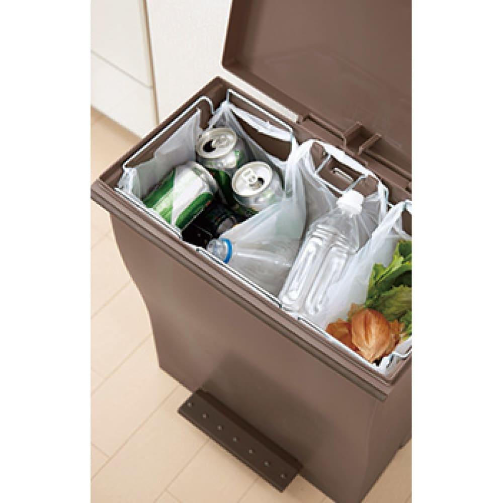 Kcud クード ダストボックス 容量39L ペールトーンワイド レジ袋をセットすれば3分別まで対応します。