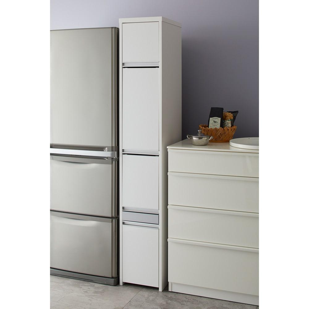 Ymir/ユミル 隠せる家電収納 幅30奥行55cm キッチンのデッドスペースをうまく活用。すっきりと片付けられます。
