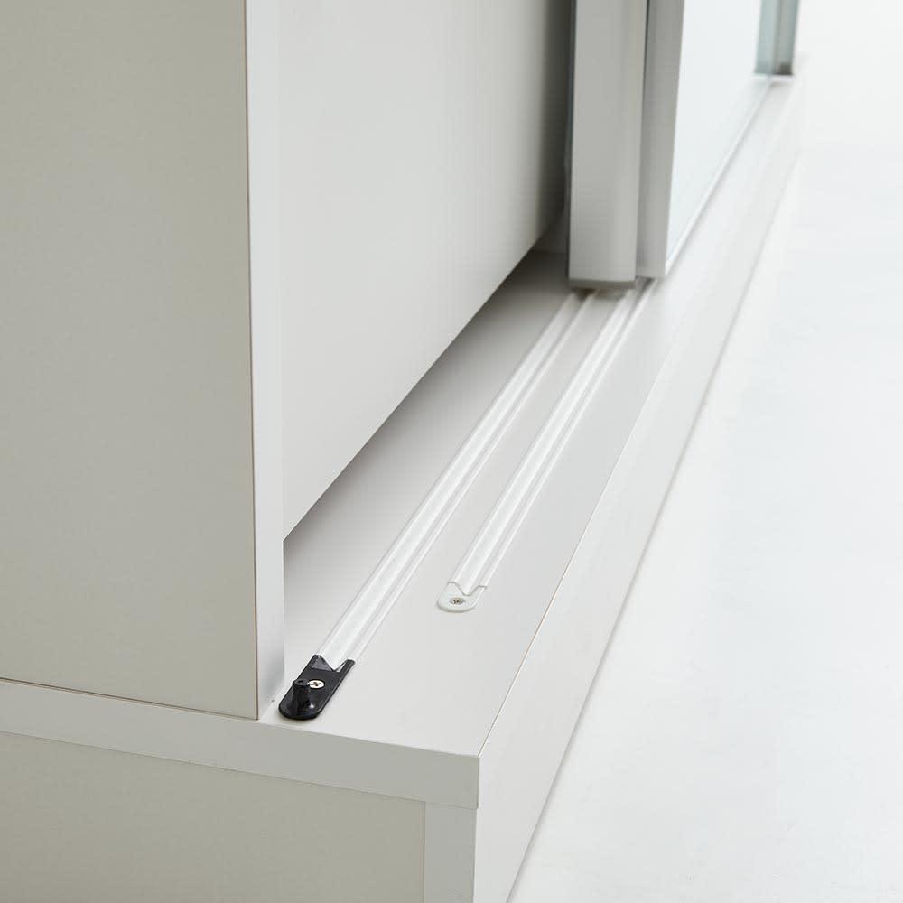 Orga/オルガ スライドキッチン収納 カウンター 幅140cm レール付きの引き戸で開け閉めもなめらかです。