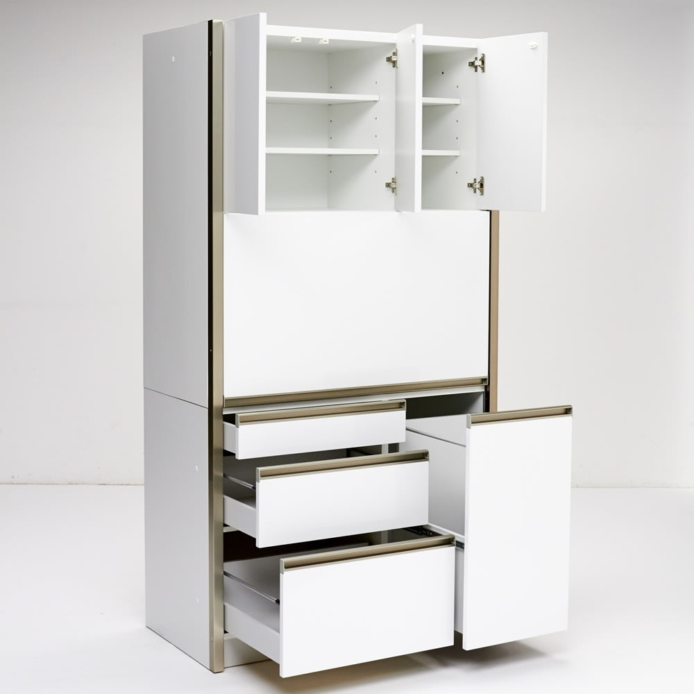 AQUA/アクア ダストダイニングボード・キッチンボード 幅107cm ホワイト 目隠しだけでなく、たっぷりとした収納ボリューム・様々な収納機能もキッチン周りのお片付けの強い味方です。