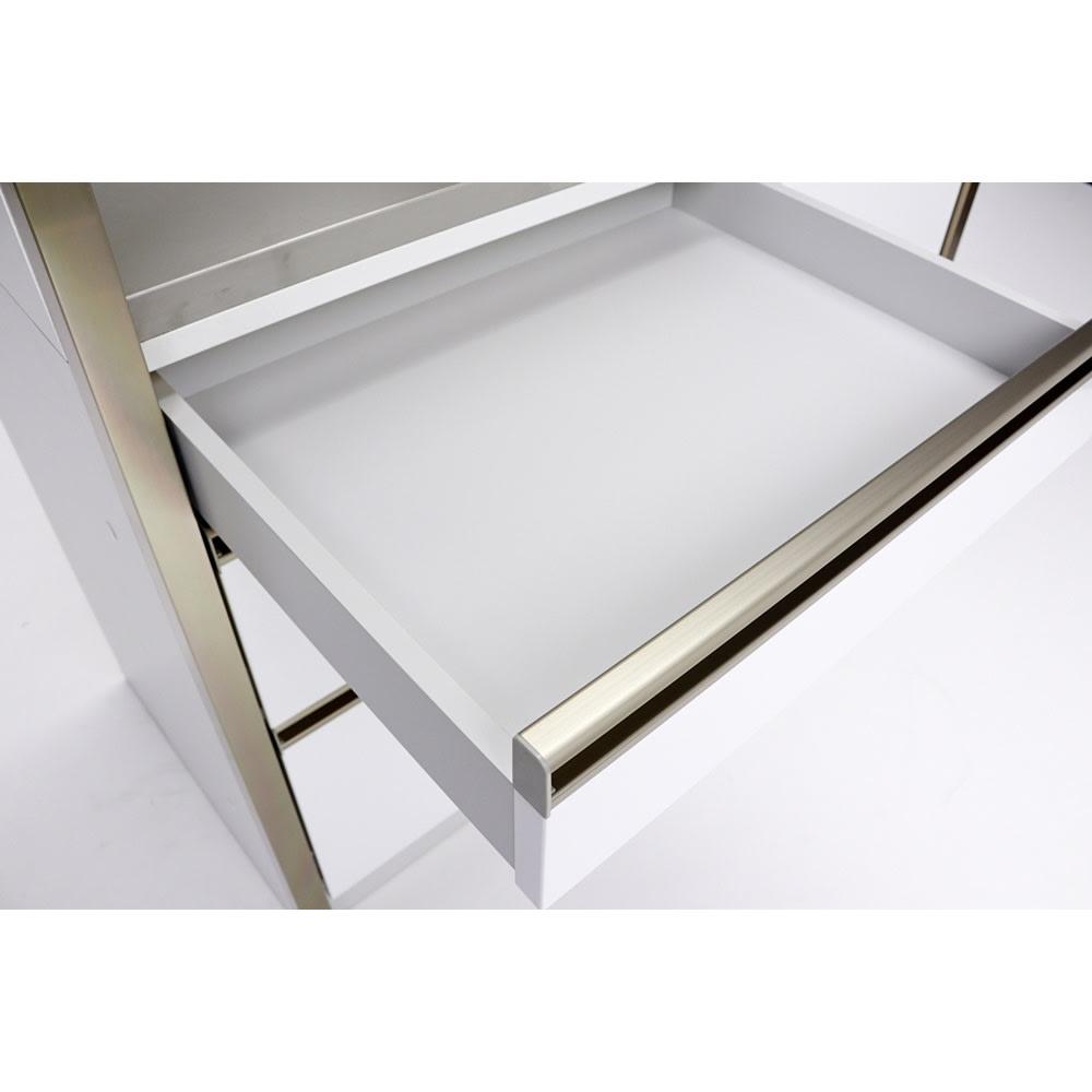 AQUA/アクア ダストダイニングボード・キッチンボード 幅107cm 引き出し内部もきれいに化粧され、拭き掃除もしやすい作りに。ホワイトカラーが見た目にも清潔感のある美しい仕上がり。