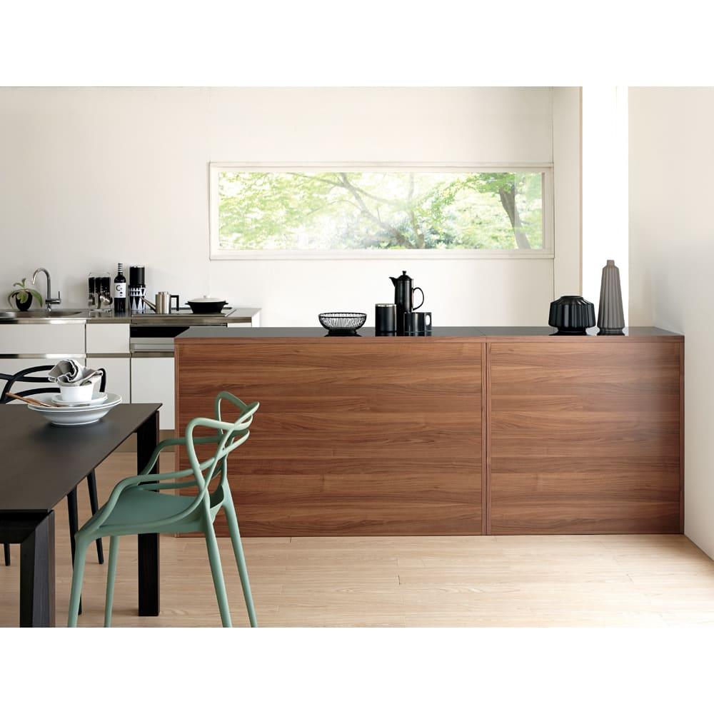 Granite/グラニト アイランド間仕切りキッチンカウンター幅90cm 家電収納付き 裏面もきれいな間仕切り仕上げ。ダイニングキッチンの真ん中に置いても様になる高いデザイン性が魅力。(写真は幅90と幅140を組み合わせています)