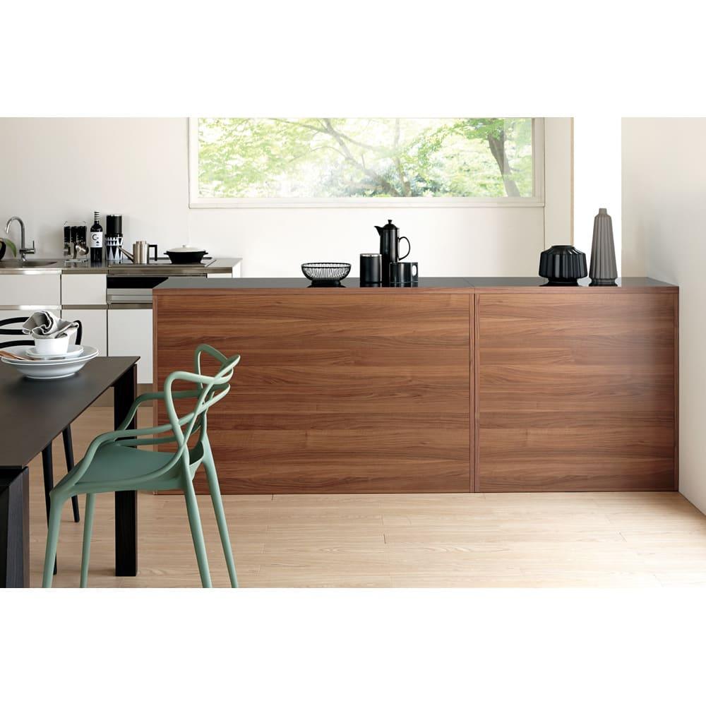 Granite/グラニト アイランド間仕切りキッチンカウンター幅120cm 家電収納付き 裏面もきれいな間仕切り仕上げ。ダイニングキッチンの真ん中に置いても様になる高いデザイン性が魅力。(写真は幅90と幅140を組み合わせています)