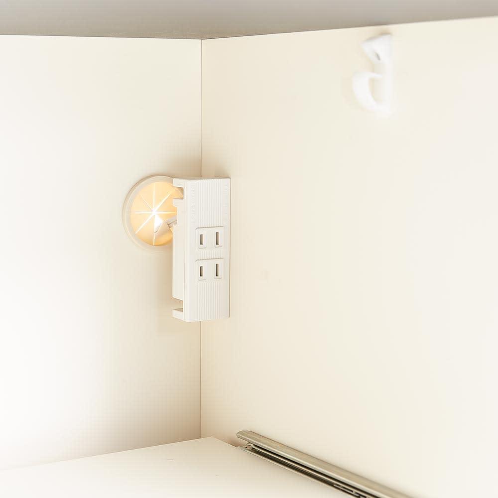 Boulder/ボルダー 石目調天板キッチンシリーズ カウンター 幅160cm 奥行45cm 右側下段のスライドテーブル家電収納部にもコンセント2口(計1500W)を付属しました。