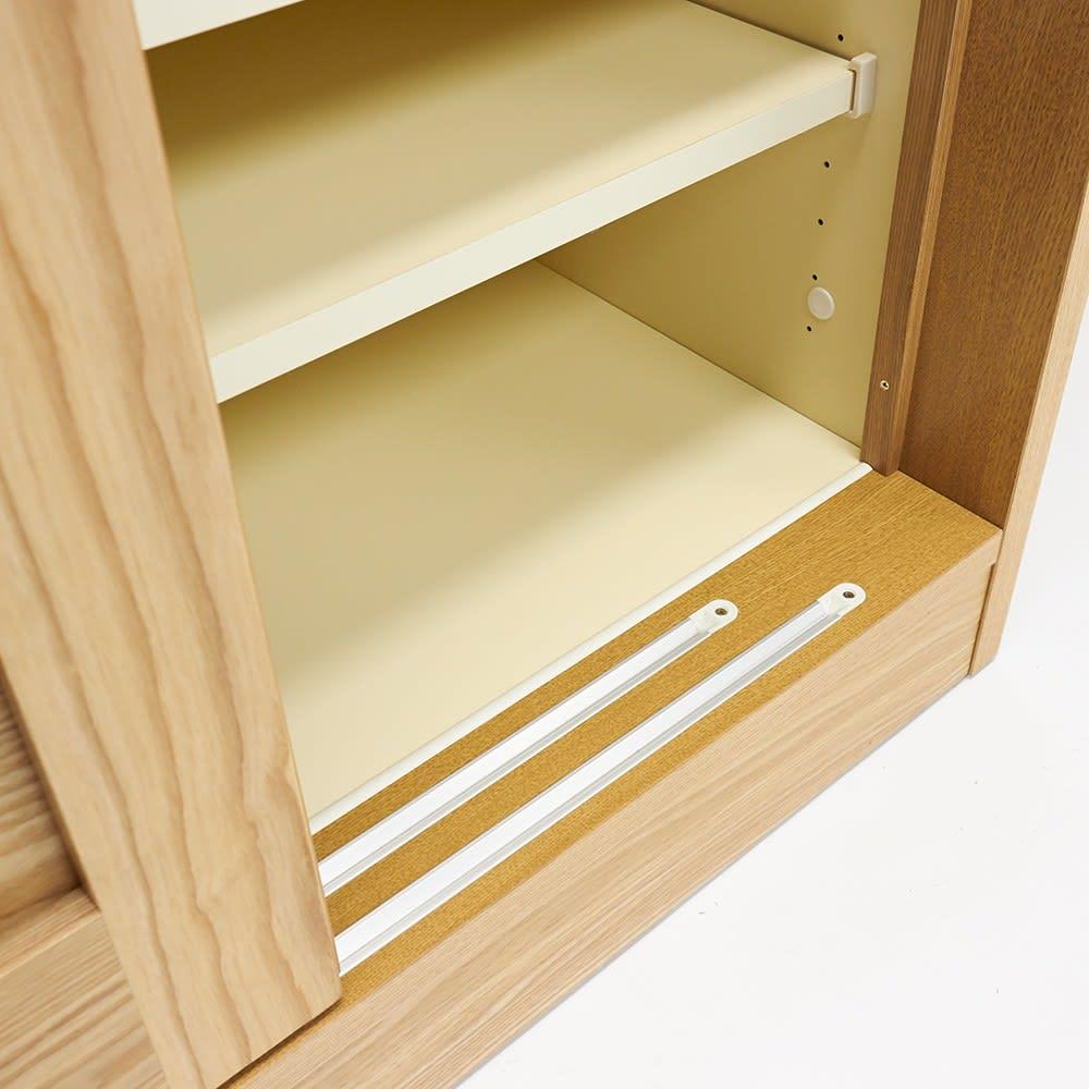 NexII ネックス2 天然木キッチン収納 キャビネット 幅120cm 大きな引き戸はスライドデールをつけて滑らかに開閉するよう、配慮しました。