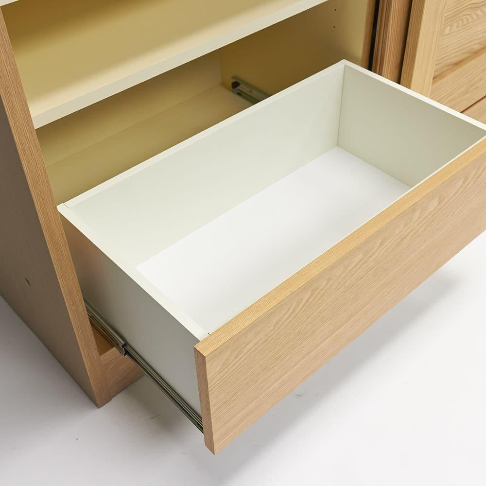 NexII ネックス2 天然木キッチン収納 キャビネット 幅140cm 引き出し内部にも清潔感のあるホワイトカラーで化粧を施し、収納物に配慮しました。