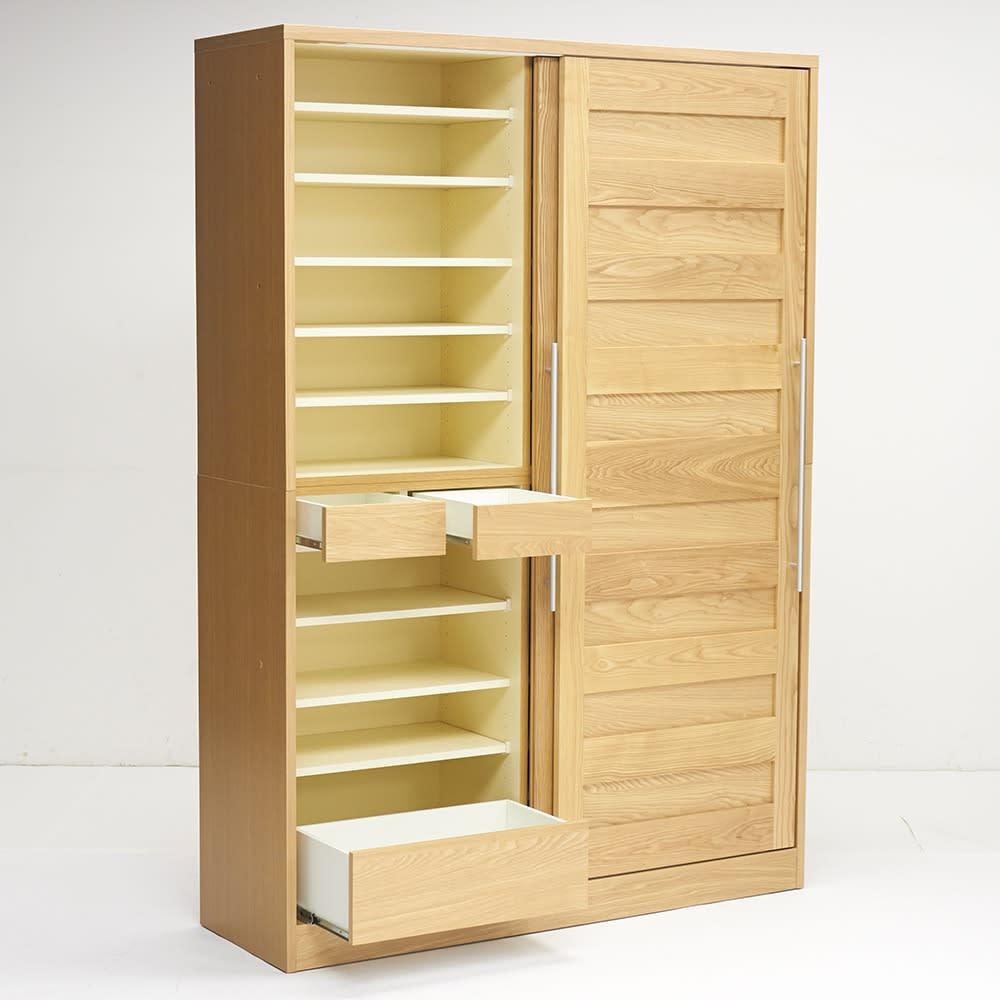 NexII ネックス2 天然木キッチン収納 キャビネット 幅140cm ナチュラル 左側には引き出しが3杯で、こまごましたものや重たいものを収納するのに便利。