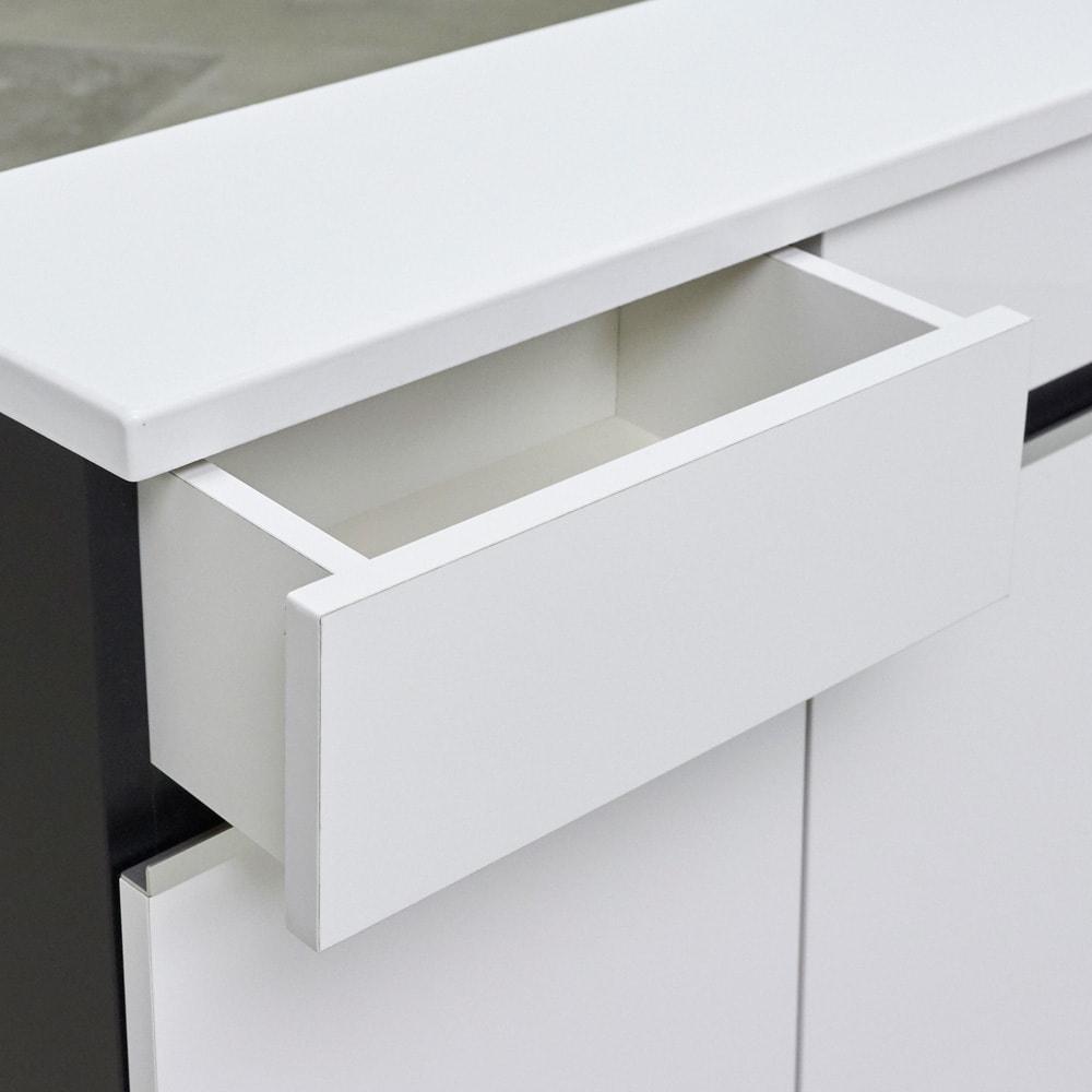 Rossi/ロッシ カウンター下収納庫 収納庫幅119奥行20cm 引き出しの内部も化粧仕上げでお手入れ簡単。引き出しは4杯付きだからキッチン・リビング周りの小物を分類して収納できます