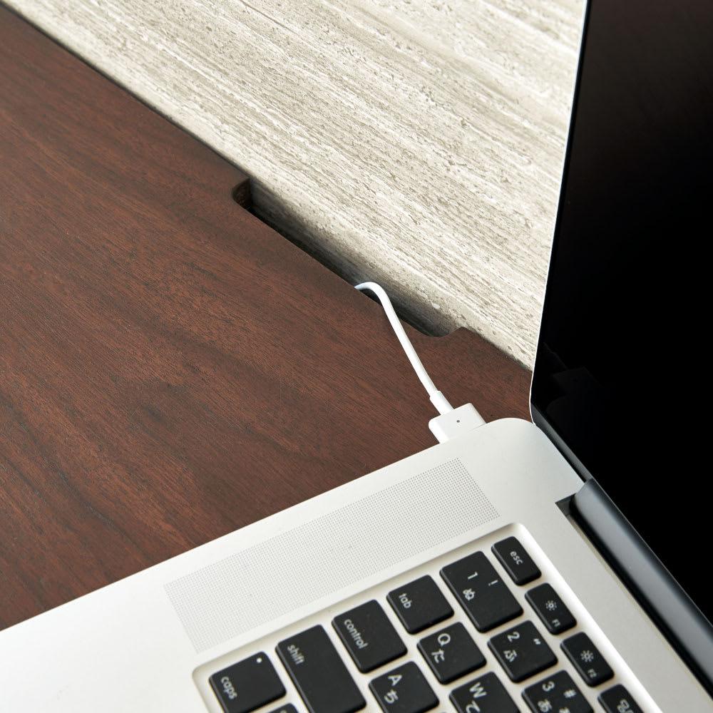ウォルナット格子リビング収納シリーズ 扉タイプ 幅80cm 天板奥に配線に便利なコード通しがありあます。