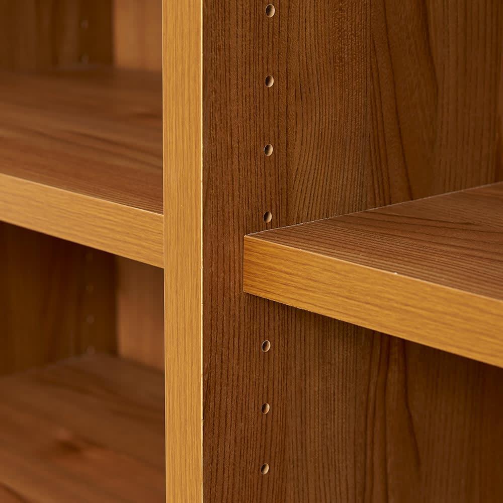 K'astani/カスターニ LEDライト付きバイカラーコレクション本棚 幅79cm 棚板は3cmピッチで調整できます。