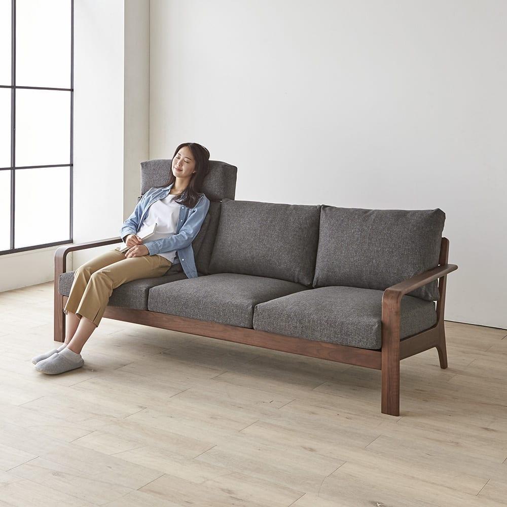 a tempo/アテンポ オーク天然木 木製フレームソファ 3人掛け・幅198cm ベッドレスト使用イメージ ※ベッドレストは別売りです。写真はウォルナットタイプです。