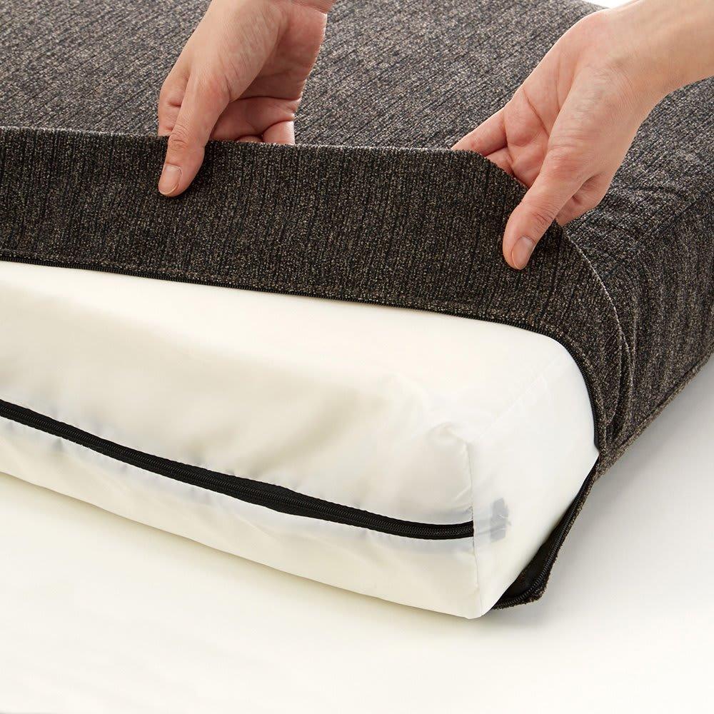 ビーチフレームカバーリングソファ シングル 背もたれと座面はカバーリング仕様。汚れても取り外してご自宅で洗濯も可能です。