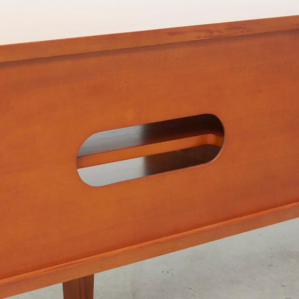 北欧ヴィンテージ風Vカットデザイン テレビボード・テレビ台 幅150cm デッキ収納部の背面には、配線用の穴があります。