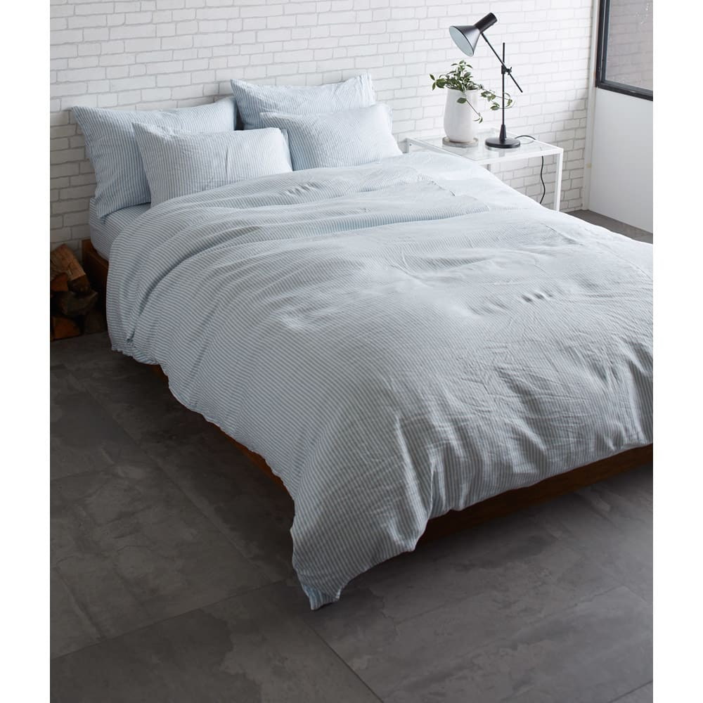 French Linen/フレンチリネン ヘリンボーン織カバーリング ピローケース(1枚) [コーディネート例](イ)ライトブルー ※お届けはピローケースです。 ※実際の色よりも暗く写っています。