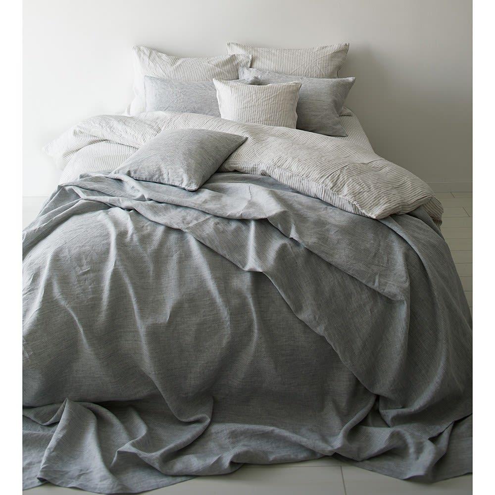 French Linen/フレンチリネン ヘリンボーン織カバーリング ベッドシーツ [コーディネート例](ア)グレー