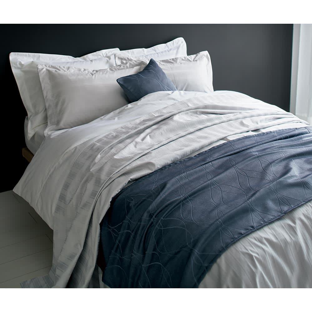 Sateen/サティーン ストライプ 超長綿カバーリング ベッドシーツ [使用イメージ]ホワイト