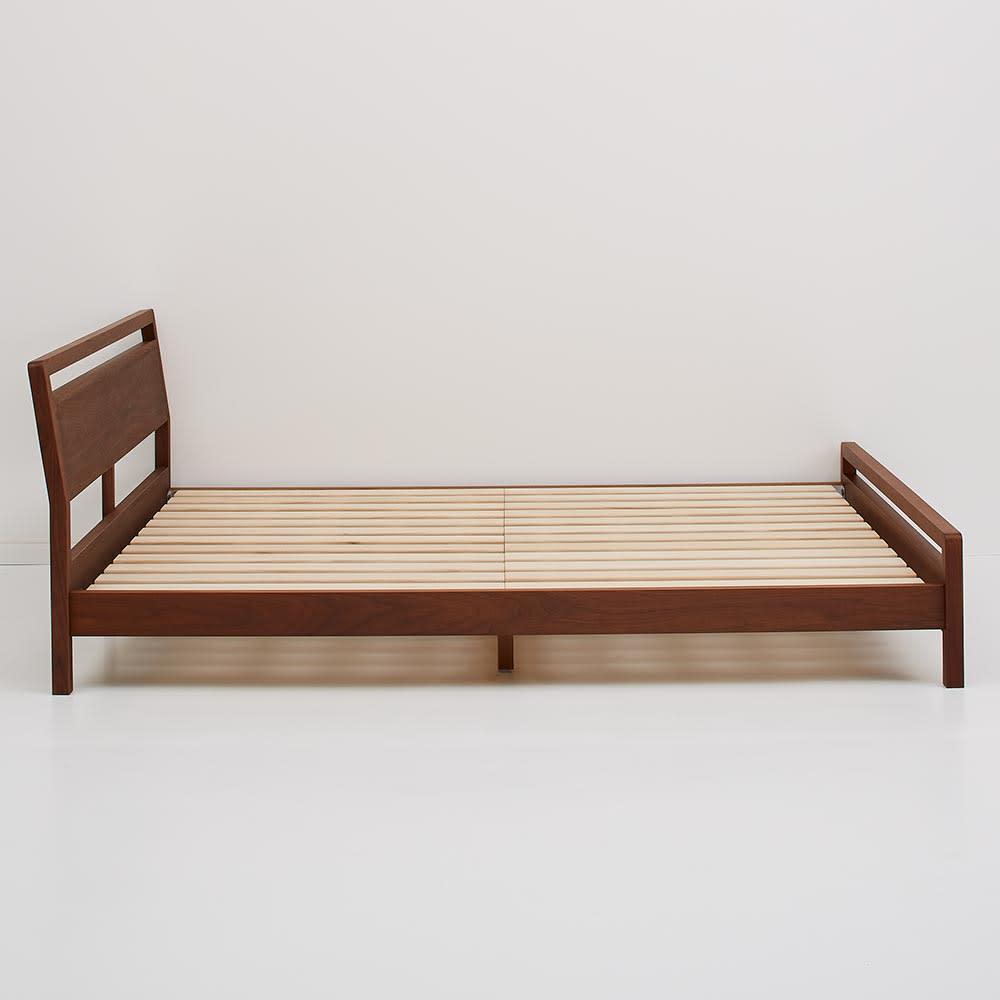MARK/マーク 木製ベッド ウォルナット ベッドフレームのみ ヘッドボードとフットボードはスリムな形で幅を取りません。