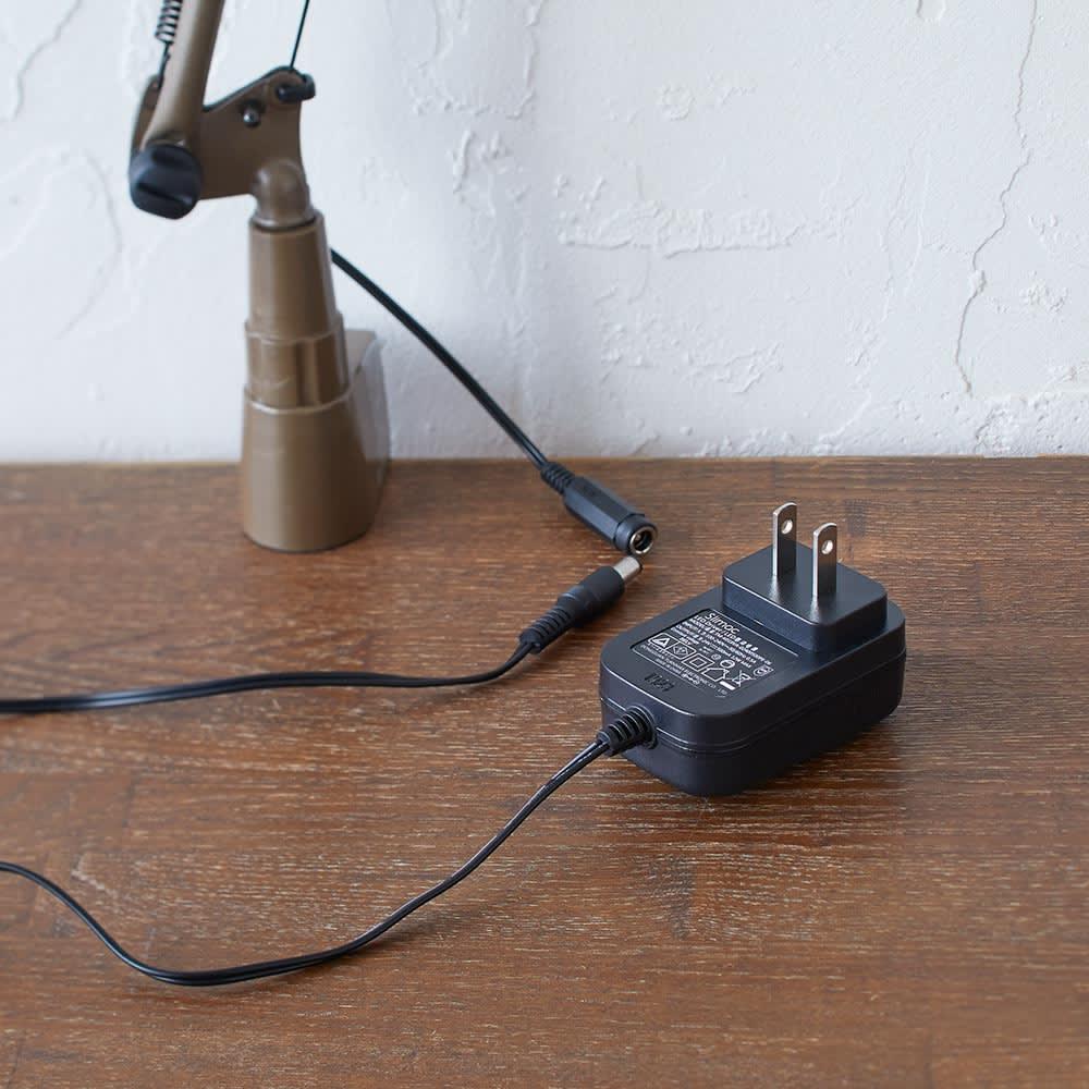 向きと高さを自由に変えられる センサー式LEDデスクライト エグザーム(EXARM)ライト アダプター付き