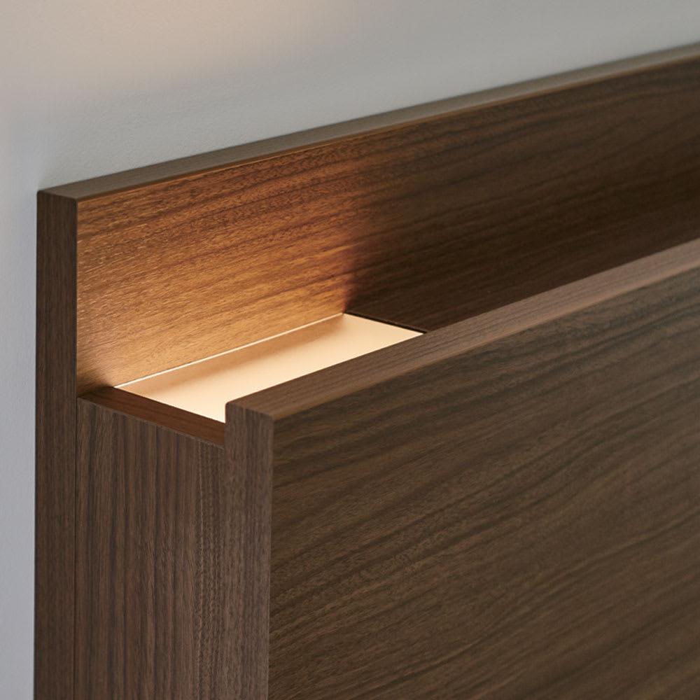 【配送料金込み 組立・設置サービス付き】【カバー付き】SIMMONS シェルフLEDベッド 5.5インチマットレス ヘッドやボトムからLEDの光が出て、室内を演出するライトに。