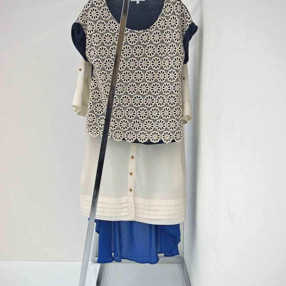Lettre(レットル) ハンガーラック 幅100cm 壁にぴったりつけても洋服がゆったり掛けられる設計です。
