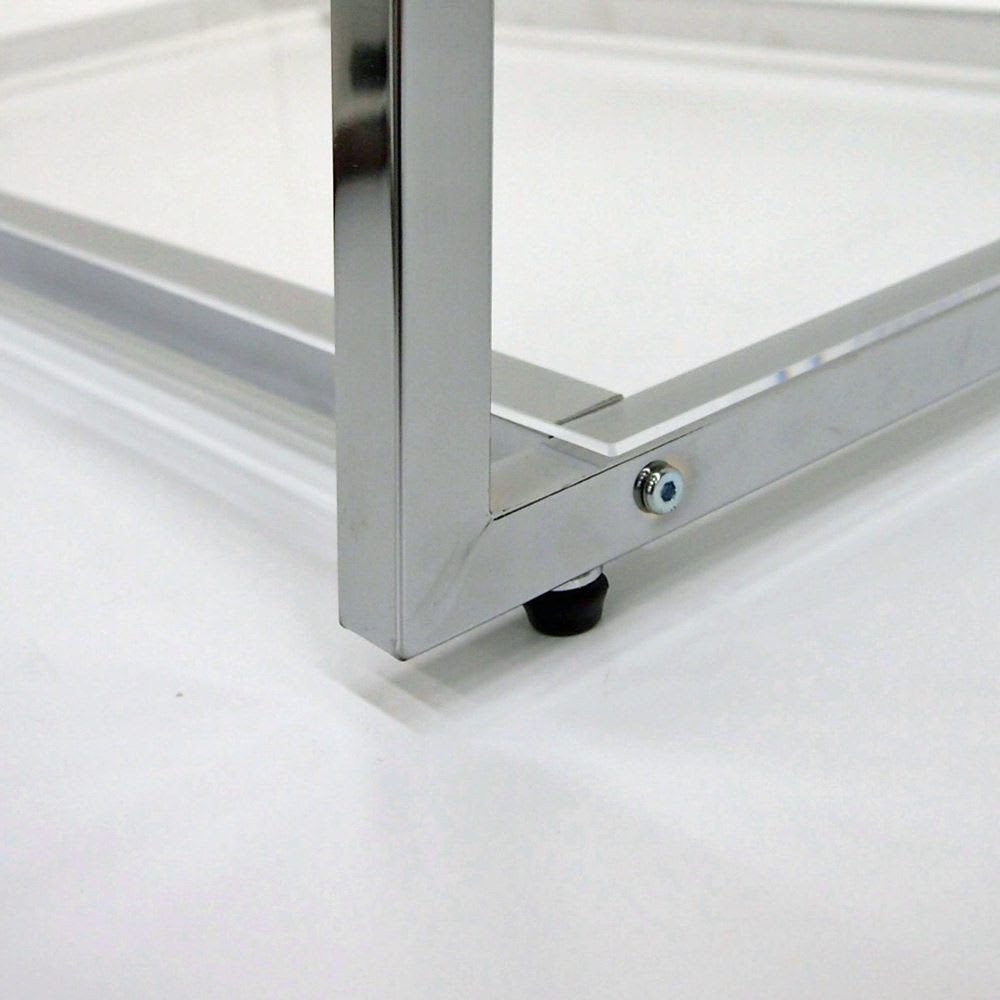 Lettre(レットル) ハンガーラック 幅120cm 脚部にはアジャスター付で床のガタツキにも対応します。