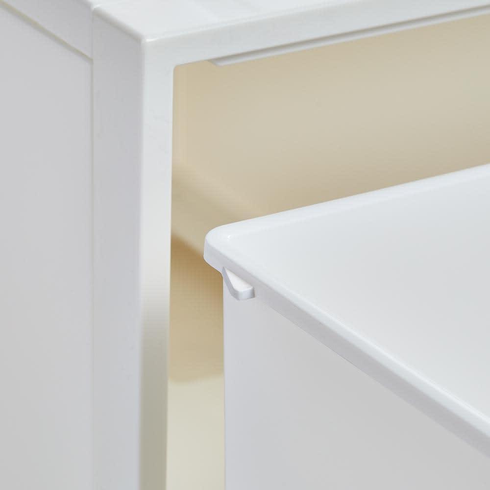 Carre/カレ ホワイトシステム衣類収納 開閉のスムーズな引き出しです。