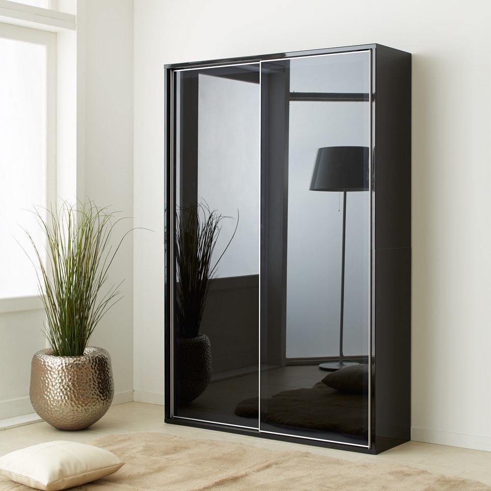 Evan(エヴァン) スライドシェルフ ハイタイプ本棚 幅120cm イ)ブラック クールな印象のブラックは、モノトーンスタイルにもおすすめです。