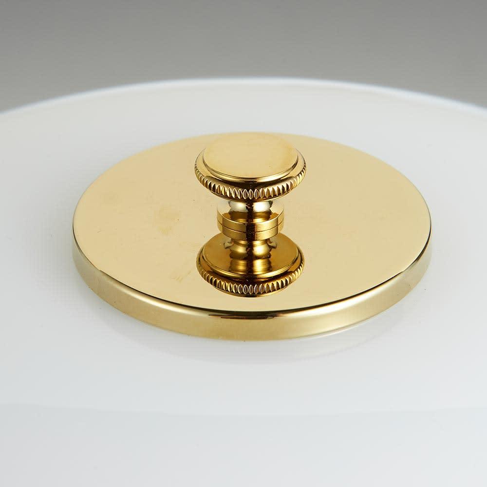 テーブルライト・デスクライト PH 2/1[Louis Poulsen・ルイスポールセン/デザイン:ポール・ヘニングセン] 上部金具も、下部と同じ真鍮を使用しています。