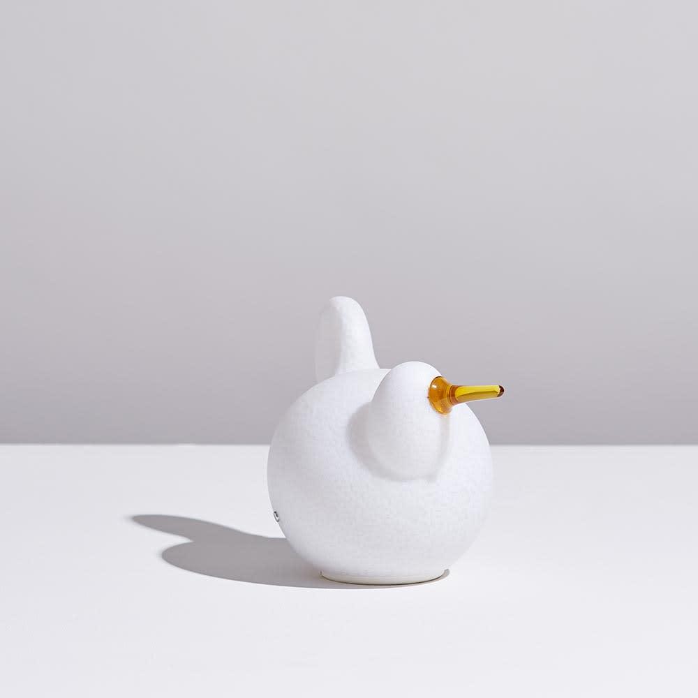 マジス/イッタラ バードライト シーリー LINNUT/リンナット[MAGIS・マジス iittala・イッタラ/デザイン:オイバ・トイッカ] 球体をくっつけたようなシンプルなシルエットで鳥の姿を表現しています。