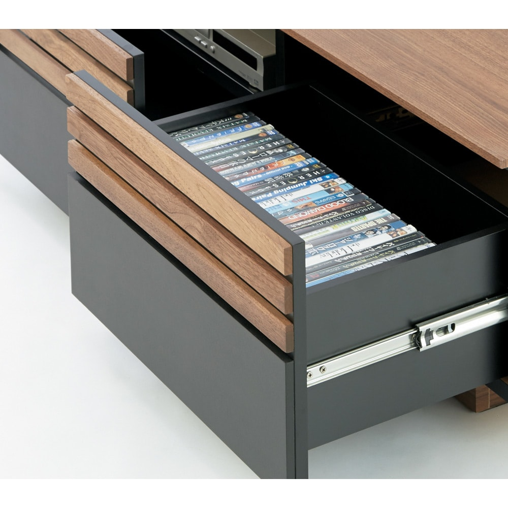 AlusStyle/アルススタイル  リビングシリーズ テレビ台 幅200.5cm 引き出しにはCD・DVDの背表紙を見せて収納できます。