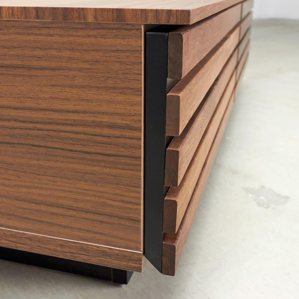 AlusStyle/アルススタイル リビングシリーズ リビングテーブル 幅110.5cm 引出下部は斜めにカットされ、手をかけやすいように設計しました。