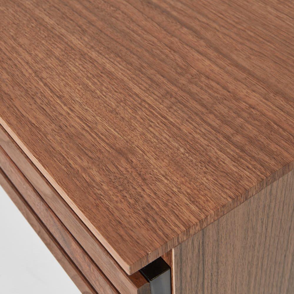 AlusStyle/アルススタイル 薄型ホームオフィス デスク 幅120.5cm 天板にはウォルナット柄をリアルに再現した、キズ汚れに強い強化紙を採用。