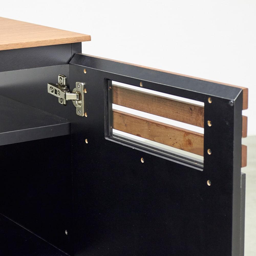 AlusStyle/アルススタイル リビングシリーズ ハイタイプテレビ台 幅80.5cm 格子の裏面、スリット部分にはガラスをつけ、埃の侵入を防ぎます。