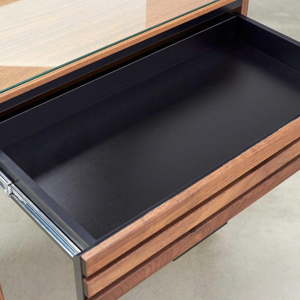 AlusStyle/アルススタイル リビングシリーズ ドレッサー 幅65.5cm 内装材にもシックで高級感あふれるブラックカラーを採用しました。