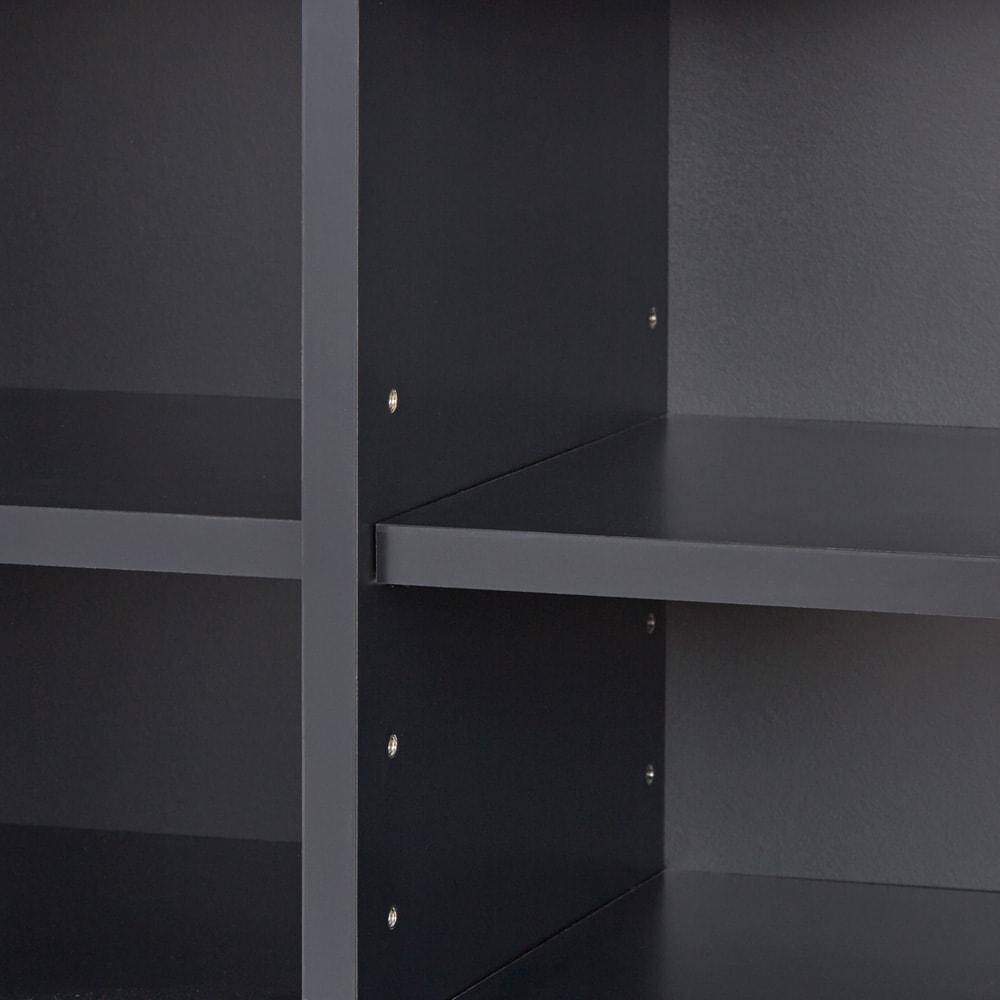 AlusStyle/アルススタイル シェルフシリーズ 上台:オープン&下台:扉 幅80cm高さ192cm 内装材にもシックで高級感あふれるブラックカラーを採用しました。