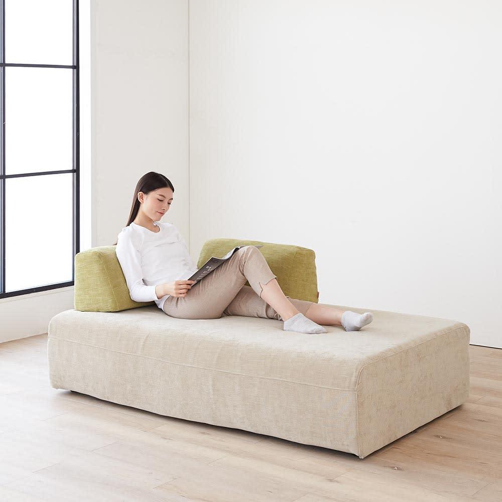 Saari/サアリー カバーリングソファシリーズ モデル画像 ソファをカウチの様に使用した場合