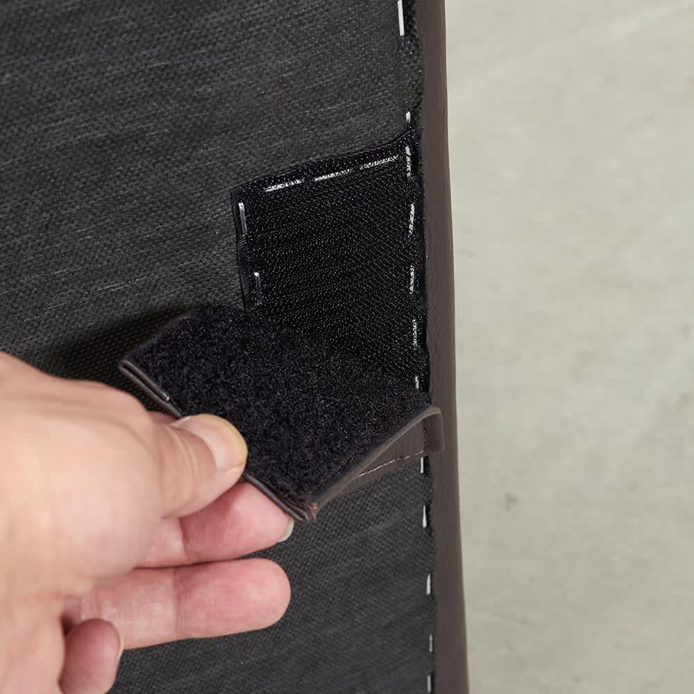 Divanol/ディバノール フロアソファ 3人掛け ソファの底面に面テープがあり、左右同士で固定することができます。