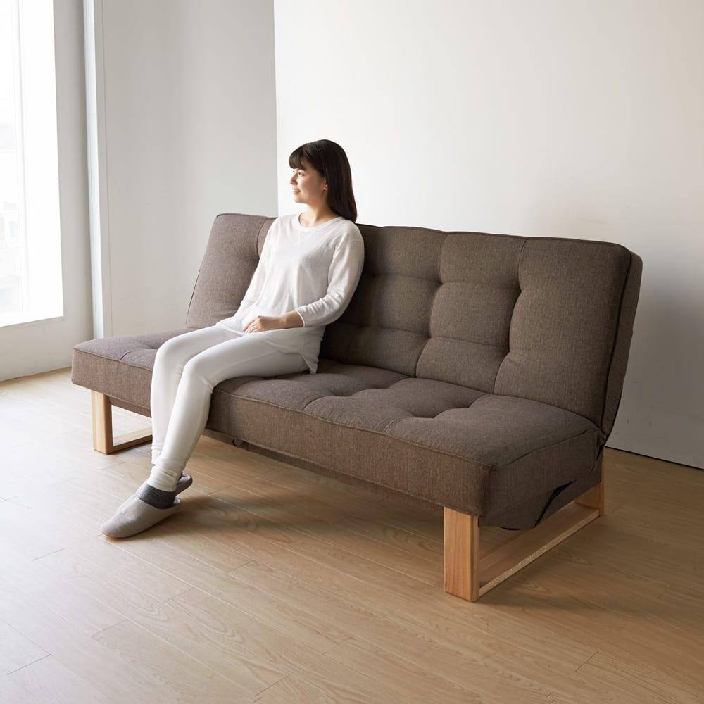 ツイード調ソファベッド ハイバック [国産] ソファの座面と背当たりは程よく設計されています。