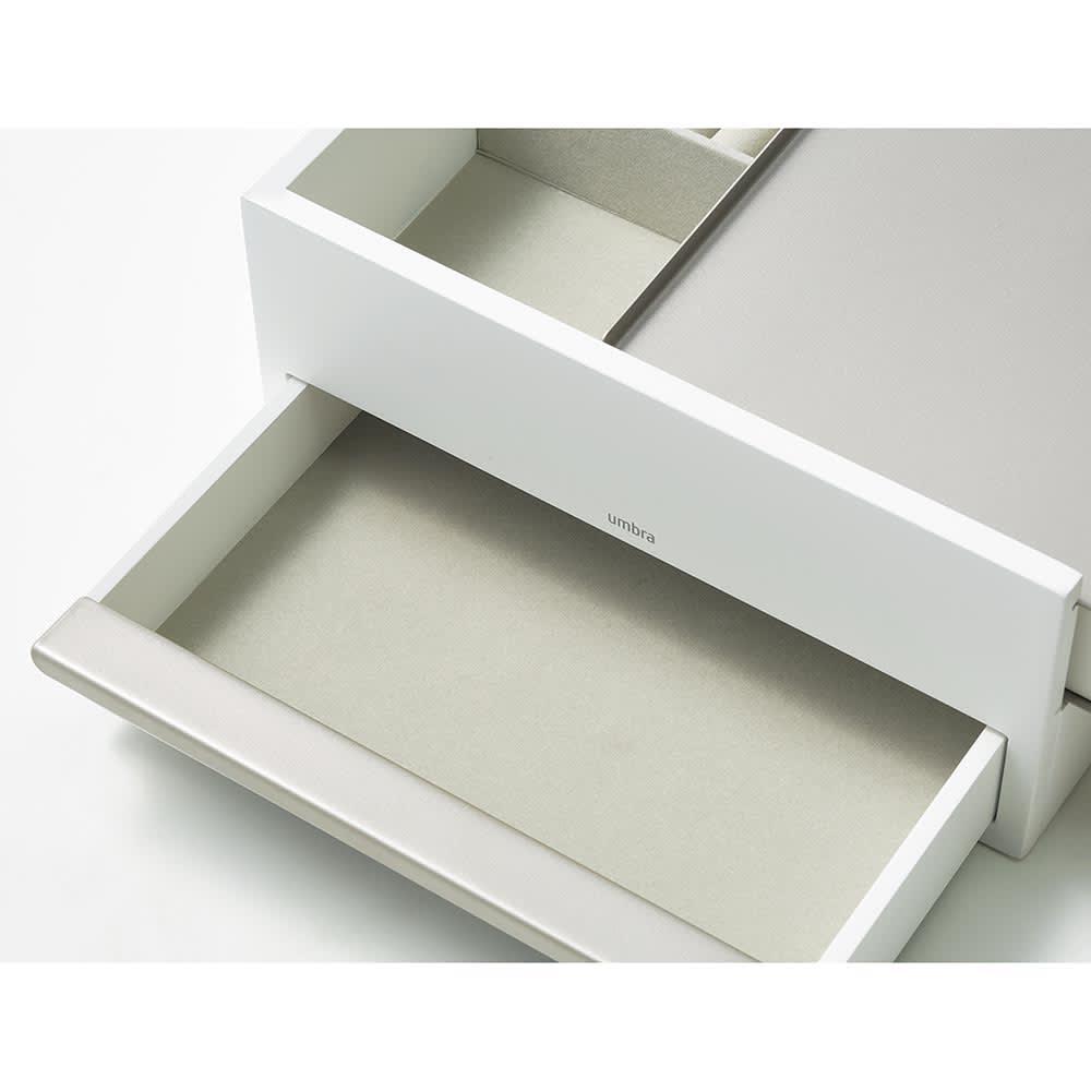 STOWIT JEWELRY/ストウイット ジュエリー ジュエリーボックス Lサイズ[umbra・アンブラ] (ウ)ニッケルはホワイトの本体にグレーのスムースな布地貼り。