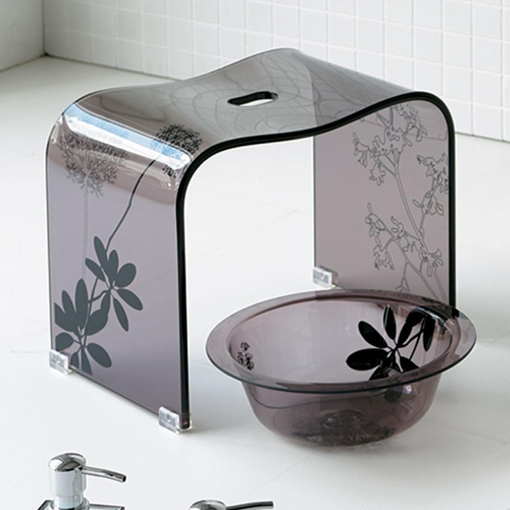 インテリア雑貨 日用品 バス用品 トイレ用品 バスチェア 風呂いす Sarina/サリナ アクリル製バスチェアL&ウォッシュボール H84507