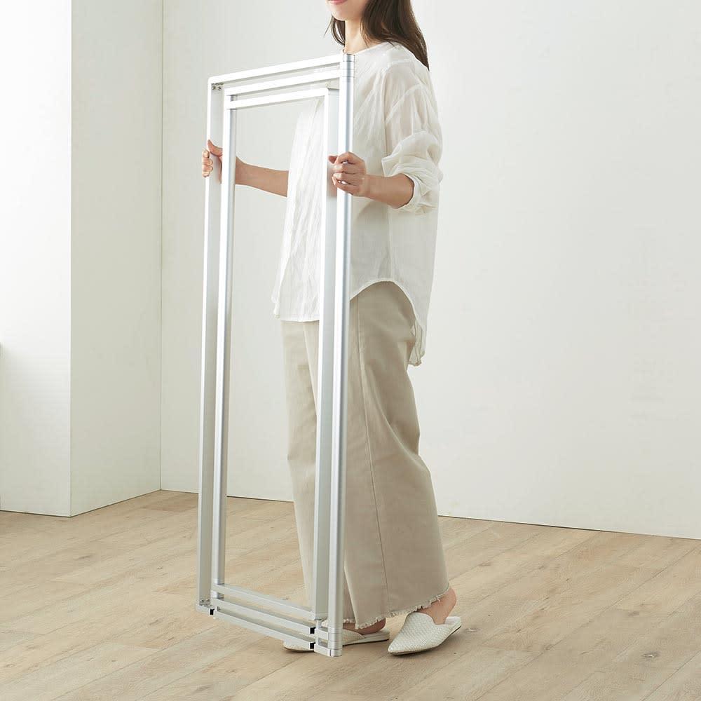 アルミ製 薄型ランドリースタンド 2連 (室内 屏風型物干し) 女性でも簡単に持ち運び出来て便利です。