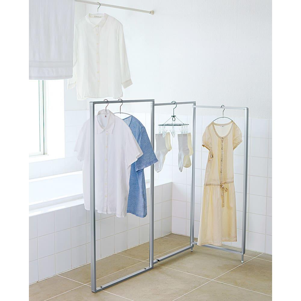 アルミ製 薄型ランドリースタンド3連 (室内 屏風型物干し) 日本のバスルームの規格を徹底的に研究した使いやすいサイズの物干しです。
