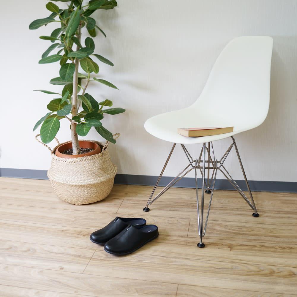 オフィスやタウンユースにも! room's PLUS+/ルームズプラス スリッパ 室内でも室外でもOKです。