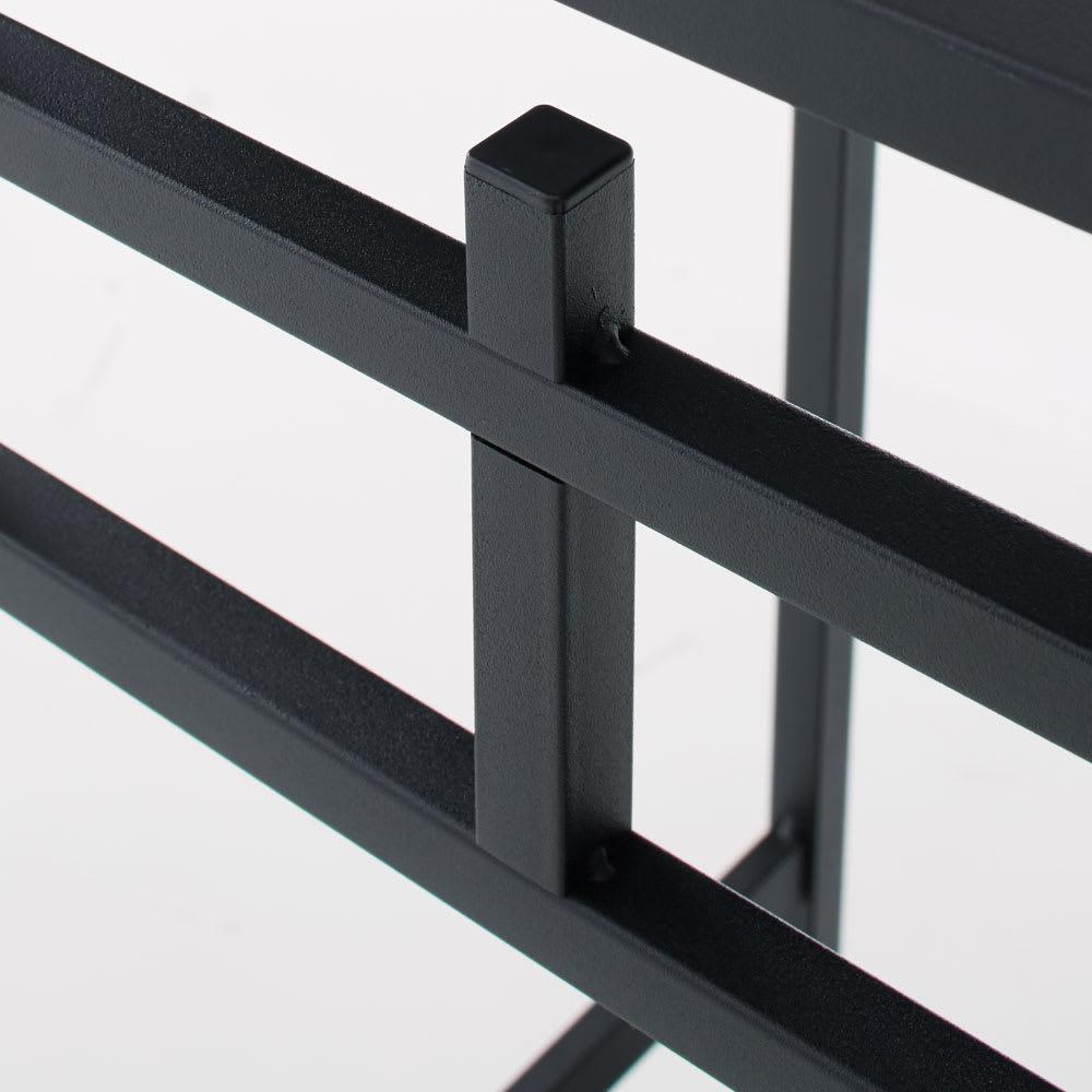 Noisette/ノワゼット アイアンコンソールテーブル 幅90cm高さ73.5cm デザインアクセントでもある背面フック。マットな質感の塗装仕上げです。