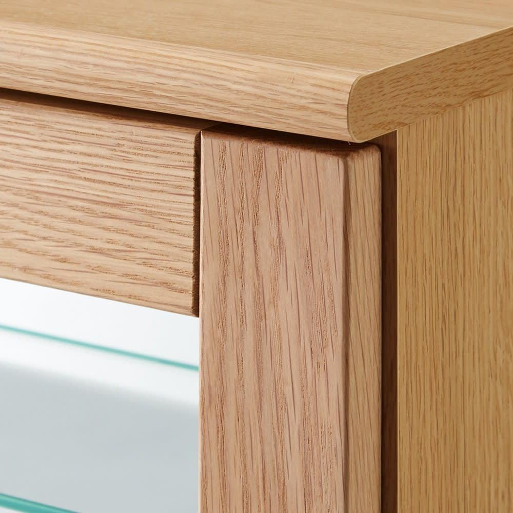 Taide/タイデ 天然木卓上キュリオケース 幅60cm高さ80cm 戸枠にはオーク、ウォルナットの無垢材をそれぞれ使用した、上質感のある本格仕様。こちらは(ア)オーク のタイプ